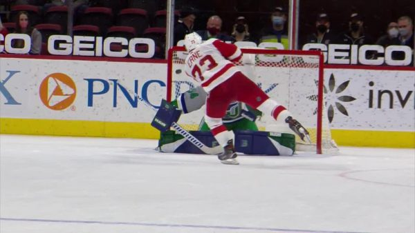 Red Wings recover, defeat Hurricanes in seven-round shootout