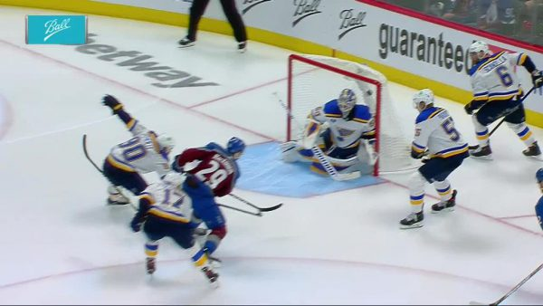 Avalanche pull away from Blues in third, win Game 1